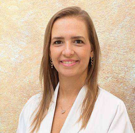 Dra. Mariana Kefalás Oliveira Gomes